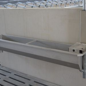 dsc-4632-spinder-stainless-steel-water-trough-spinder-dairy-housing-systems
