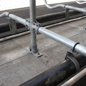 img-7528b-accessories-freestall-dividers-spinder-dairy-housing-systems